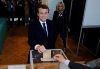ANKET SONUÇLARI - Cumhurbaşkanı Adayı Macron Sandık Başında