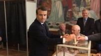 ANKET SONUÇLARI - Macron Sandık Başında