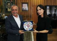 NAZLI ÇELİK - Nazlı Çelik, Atatürk Üniversitesinde Söyleşide Bulundu