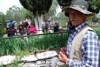 MAHALLE MUHTARLIĞI - Salihli'de 8 Bin Kişilik Hayır Yemeği
