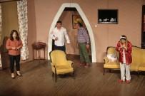ŞEHİR TİYATROSU - Akçaabat Belediye Tiyatrosu Giresun'da Sahne Aldı