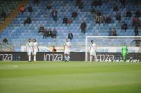 DENIZ YıLMAZ - Bursaspor'da Ağır Yenilgilerin Faturası Futbolculara Kesiliyor