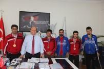 MESUT ÖZAKCAN - Engelli Sporculardan Başkan Özakcan'a Ziyaret