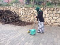 ERUH BELEDIYESI - Eruh'un Temizliği Kadınlara Emanet