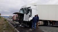 Erzincan Da Trafik Kazası; 2 Ölü, 3 Yaralı