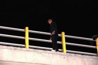 HAVA YASTIĞI - Eşi Tarafından Terk Edilen Genç, Eşinin Kızını Göstermediği İddiasıyla Köprüye Çıkarak İntihara Kalkıştı