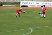 AMATÖR LİG - Final Maçında Şapka Takan Kaleci