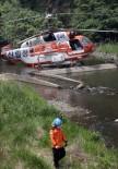 YÜKSEK GERİLİM - Güney Kore'de Helikopter Yüksek Gerilim Hattına Çarptı