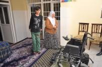 HAYIRSEVER İŞ ADAMI - Hayırseverden Engelli Gence Akülü Araba
