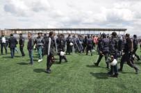 KAFKAS ÜNİVERSİTESİ - İki Takım Sporcuları Bir Birine Girdi