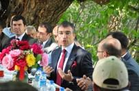 EREN ARSLAN - Kaymakam Arslan İkizköy'ü Ziyaret Etti