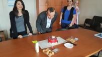 ALI ÖZDEMIR - Öğretmenlerden Okul Müdürüne Doğum Günü Sürprizi