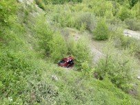 Sinop'ta Pikap Uçuruma Yuvarlandı Açıklaması 3 Yaralı