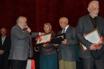 MANEVIYAT - Vali Şentürk Uzun Evlilikleri Ödüllendirdi