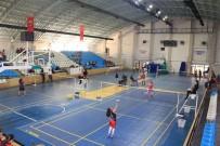 Yıldızlar Badminton Grup Müsabakaları Başladı