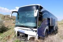 Yolcu Otobüsü Tarlaya Girdi Açıklaması 10 Yaralı