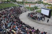 PATLAMIŞ MISIR - KOÜ'de Yazlık Sinema Keyfi