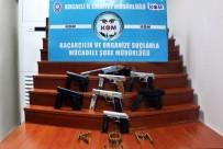 SİLAH TİCARETİ - Silah Ticaretini Yapan Şahıs Tutuklandı