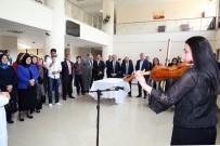 BAYBURT ÜNİVERSİTESİ REKTÖRÜ - Vali İsmail Ustaoğlu, Öğrenciler Yararına Düzenlenen Kermese Katıldı