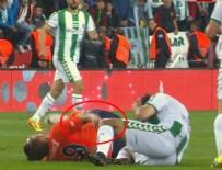 MUSTAFA PEKTEMEK - Başakşehirli futbolcunun kolu kırıldı