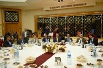 ÖZGÜR ÖZDEMİR - Başkan Çakır İftar Programında Muhtarlarla Bir Araya Geldi