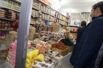 MEHMET NURİ ÇETİN - Kaymakam Çetin'den Esnaf Ziyareti