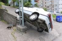 GÜLÜÇ - Otomobil Elektrik Direğinin Üzerine Yan Yattı