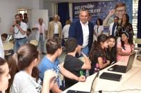 ROBOTLAR - Zeytinköy'de Geleceğin Girişimcileri Yetişiyor