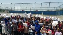 KİTAP OKUMA - Çat Belediye Başkanı Duru Öğrencileri Yalnız Bırakmadı
