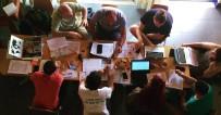 AÇıK OTURUM - Gençlik Ve Değişim Derneği 5 Genci Portekiz'e Gönderiyor