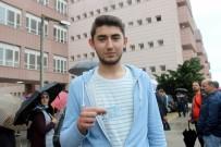 FEN EDEBİYAT FAKÜLTESİ - Kimliğini Kaybeden Öğrencinin İmdadına Polis Son Anda Yetişti