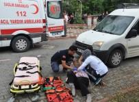 ŞAIR EŞREF - Otomobilin Çarptığı Yaya Şoka Girdi