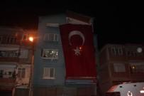 Şırnak Şehidinin Evine Dev Türk Bayrağı Asıldı.
