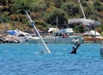 BITEZ - Yüz Bin Liralık Tekne Sulara Gömüldü