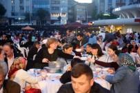 Zeytinburnu'nda Farklı Dinler İftar Sofrasında Buluştu