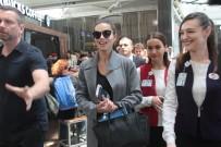 MANKEN - Adriana Lima bu kez uçağı kaçırmadı
