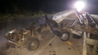 ŞEKER FABRİKASI - Bariyerlere Saplanan Otomobil Hurdaya Döndü Açıklaması 1 Ölü