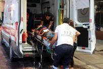 Çatışmalarda Yaralanan 10 Suriyeli Türkiye'ye Getirildi