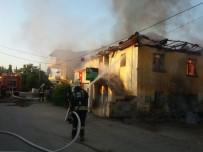 Denizli'de İki Katlı Binada Yangın
