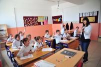 ZORUNLU HİZMET - İmece Usulü Okullarını Yeniliyorlar