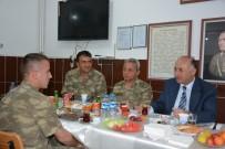 SEYFETTIN AZIZOĞLU - Vali Azizoğlu, Mehmetçikle İftar Yemeğinde Bir Araya Geldi