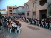 KıRAATHANE - Esnaf Ve Vatandaştan Bin 200 Kişilik İftar