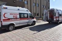 KÖY KORUCUSU - Korucuları Taşıyan Otomobil Şarampole Yuvarlandı Açıklaması 6 Yaralı