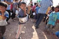 Azez Ve Cerablus'taki Suriyelilere İftarda 50 Bin Kişilik Yemek Dağıtılıyor