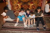 KİTAP OKUMA - Unutulmaya Yüz Tutan Kıraathane Kültürü Modern Kafelere Taşınıyor