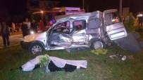SERVİS OTOBÜSÜ - Samsun'da trafik kazası: 5 ölü, 3 yaralı