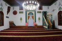 İBRAHIM ŞAHIN - Tarihi Ahşap Cami Gerdanlığına Kavuştu