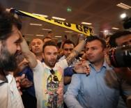 EZİLME TEHLİKESİ - Valbuena İstanbul'da
