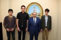 REKABET KURUMU - Vali İsmail Ustaoğlu, YGS'de Derece Yapan Öğrencileri Ödüllendirdi