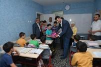 ÇOCUK MECLİSİ - Yetim Çocukların Yüzü Küçük Hediyelerle Güldü